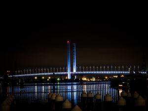 Bolte Bridge in focus